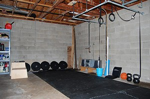 Industrial Style Garage Gym Idea. Nothing Crazy, Yet So Many Gains Live Here. Love The Ipe Style Pull Up Bar.
