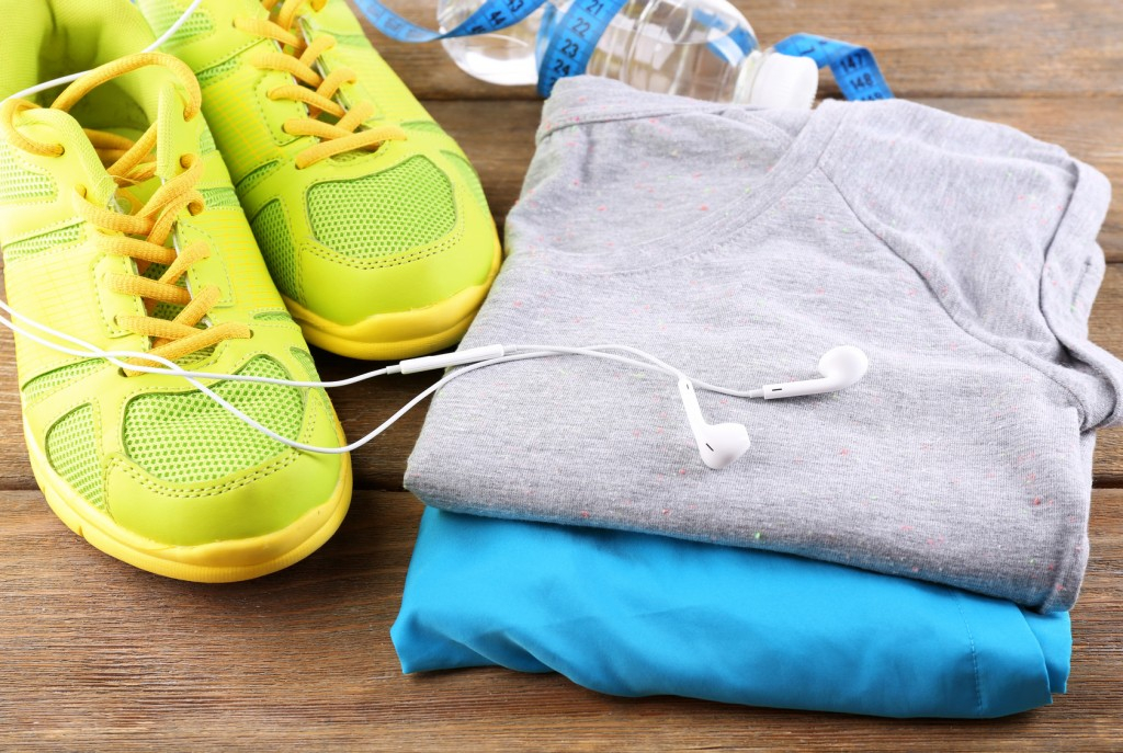 guide to essential gym clothes for men and women