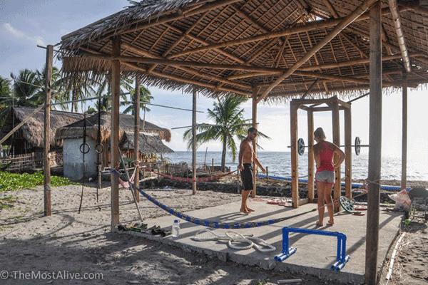 BEACH-SIDE-HUT-GYM-–-DUMAGUETE-PHILIPPINES
