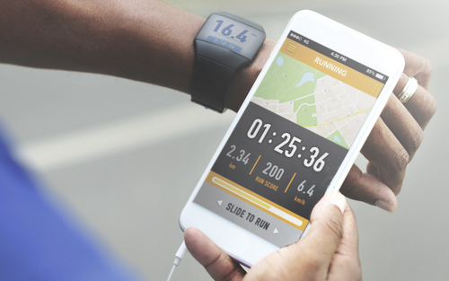 fitness tracking app paired with smart watch